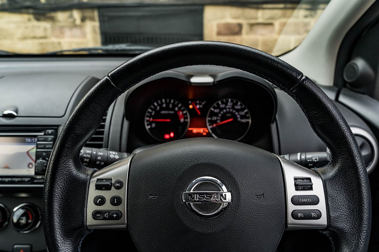 2012 NISSAN Note 1.4 16v n-tec - Picture 27 of 37