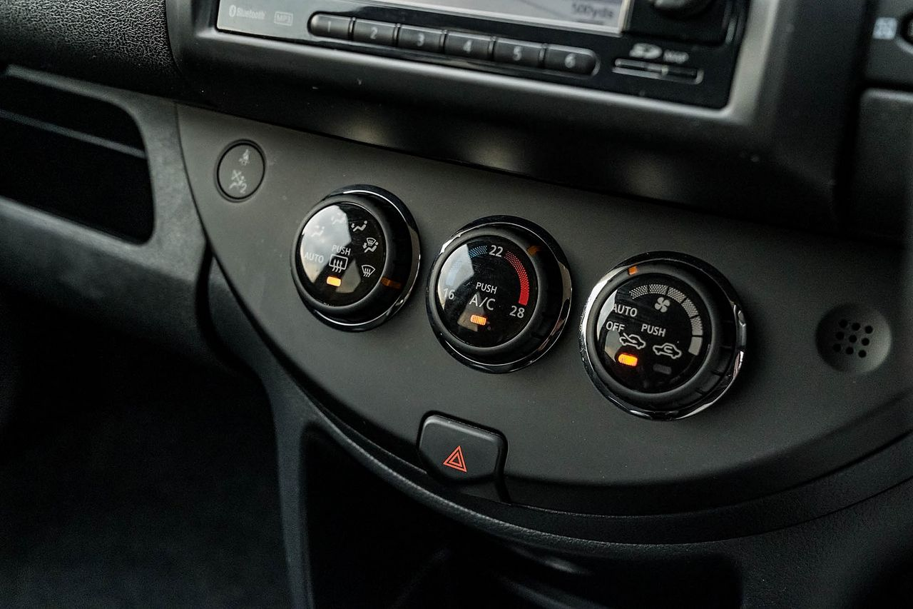 2012 NISSAN Note 1.4 16v n-tec - Picture 33 of 37