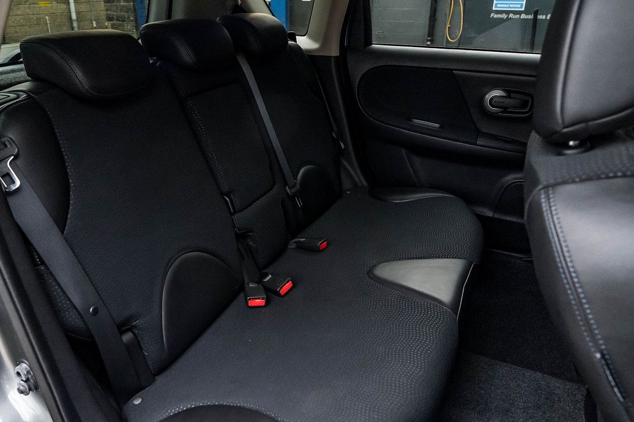 2012 NISSAN Note 1.4 16v n-tec - Picture 36 of 37
