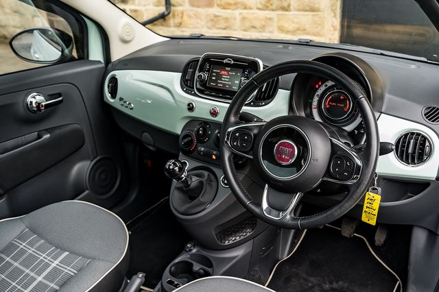 2018 FIAT 500 1.2i Lounge S/S - Picture 18 of 45