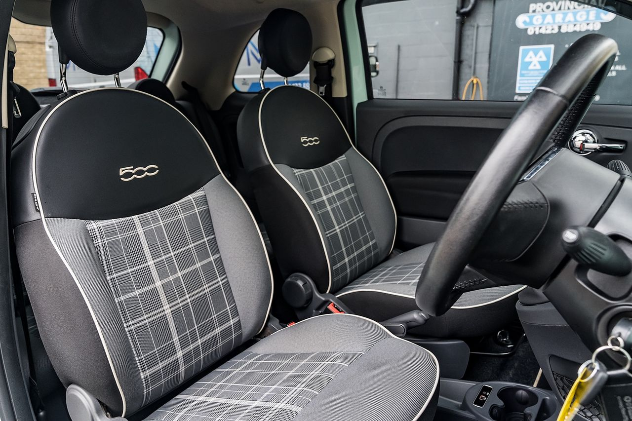 2018 FIAT 500 1.2i Lounge S/S - Picture 19 of 45