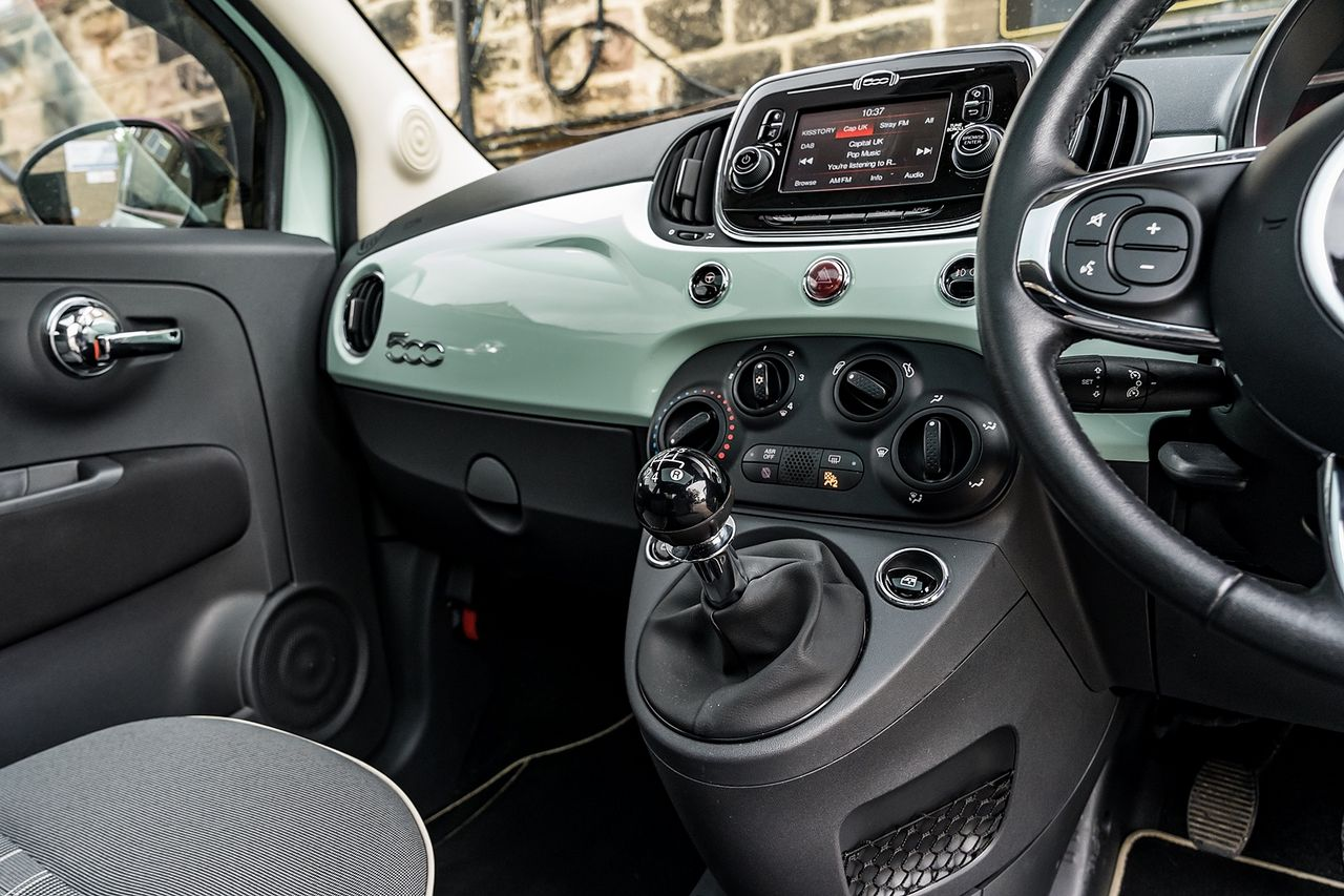 2018 FIAT 500 1.2i Lounge S/S - Picture 21 of 45