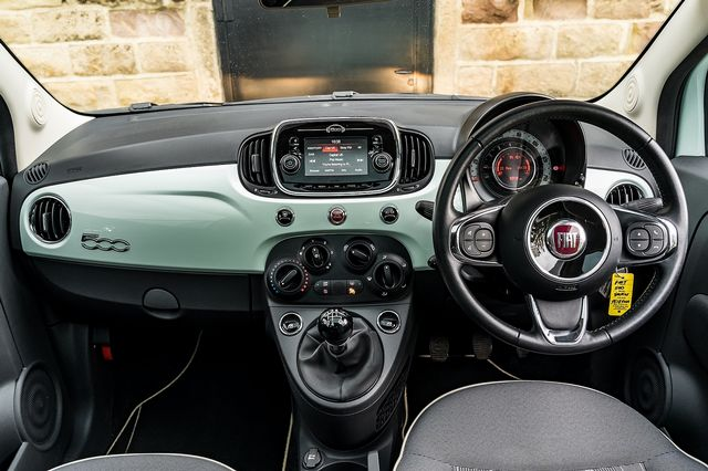 2018 FIAT 500 1.2i Lounge S/S - Picture 22 of 45