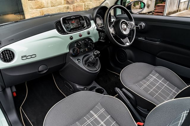 2018 FIAT 500 1.2i Lounge S/S - Picture 27 of 45