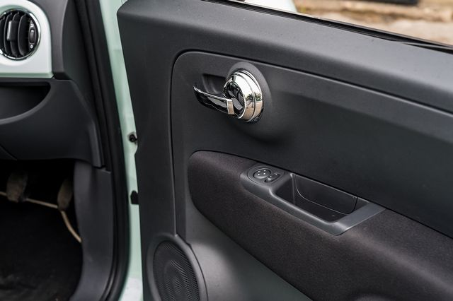2018 FIAT 500 1.2i Lounge S/S - Picture 29 of 45