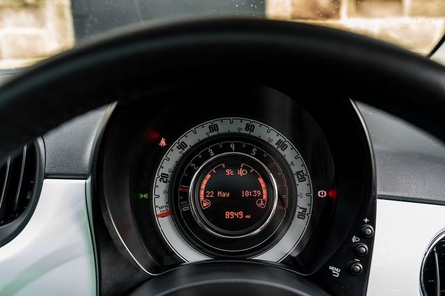 2018 FIAT 500 1.2i Lounge S/S - Picture 32 of 45