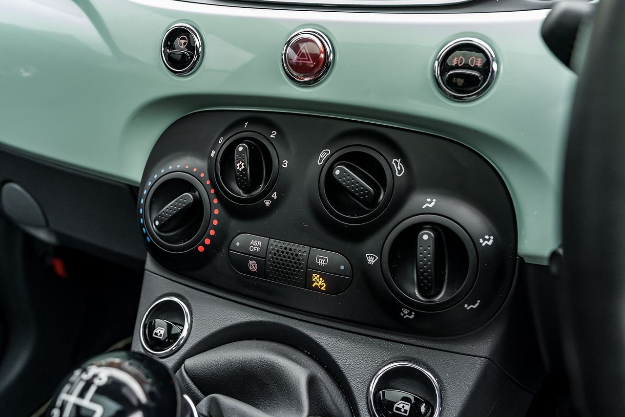 2018 FIAT 500 1.2i Lounge S/S - Picture 38 of 45
