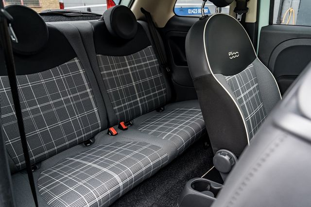 2018 FIAT 500 1.2i Lounge S/S - Picture 41 of 45