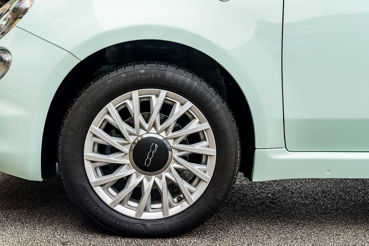 2018 FIAT 500 1.2i Lounge S/S - Picture 42 of 45