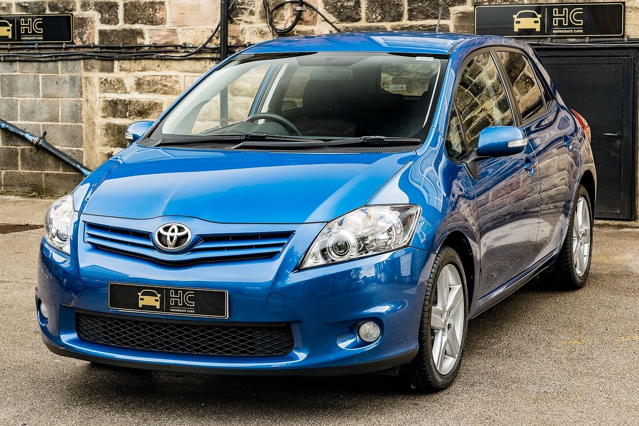 2011 TOYOTA Auris 1.6 V-matic SR - Picture 11 of 42