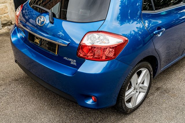 2011 TOYOTA Auris 1.6 V-matic SR - Picture 13 of 42