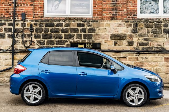 2011 TOYOTA Auris 1.6 V-matic SR - Picture 6 of 42