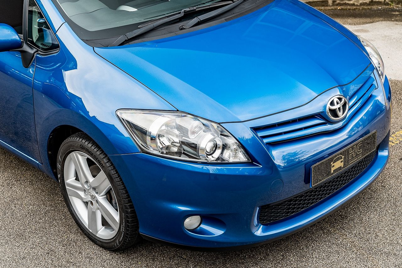 2011 TOYOTA Auris 1.6 V-matic SR - Picture 8 of 42
