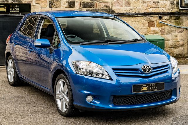 2011 TOYOTA Auris 1.6 V-matic SR - Picture 9 of 42