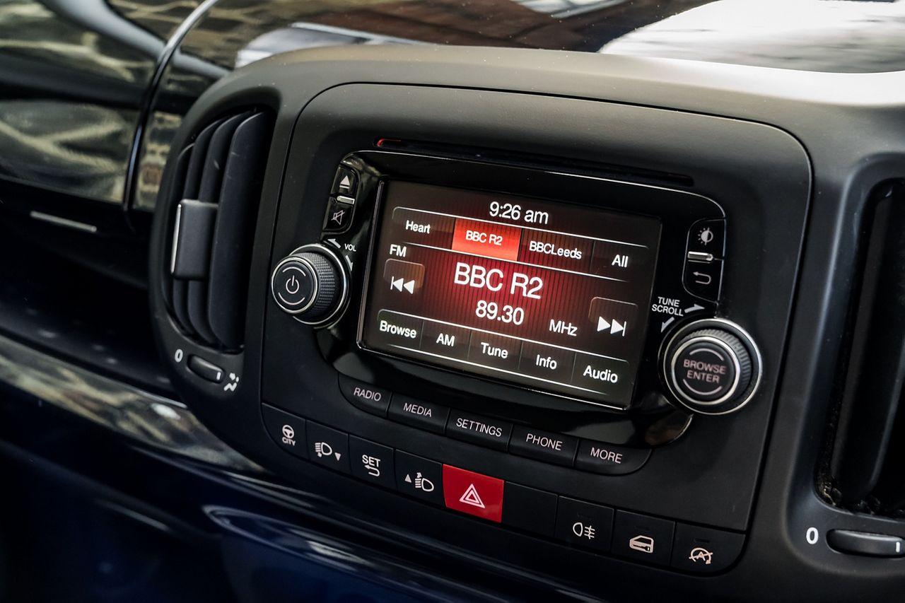 2013 FIAT 500L 1.6 MultiJet Pop Star (105hp) - Picture 12 of 28