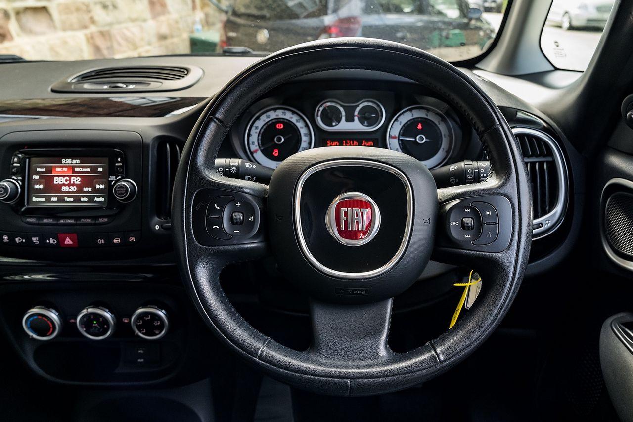 2013 FIAT 500L 1.6 MultiJet Pop Star (105hp) - Picture 14 of 28