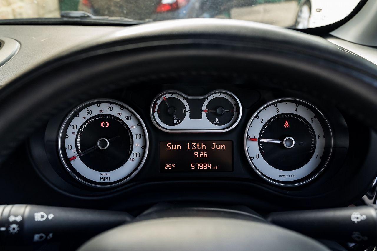 2013 FIAT 500L 1.6 MultiJet Pop Star (105hp) - Picture 23 of 28