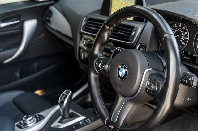 2017 BMW 1 Series 120d M Sport Auto - Picture 20 of 36