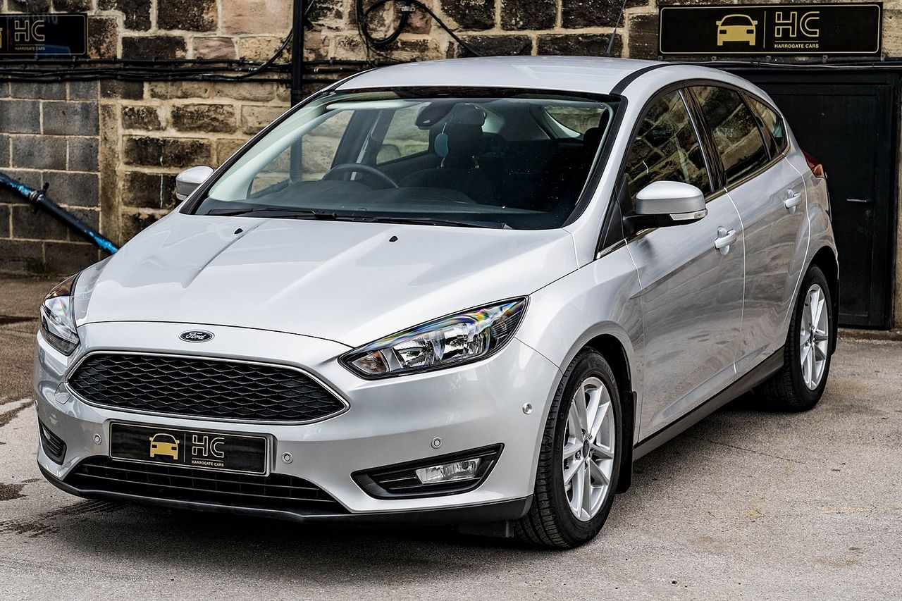 2015 FORD Focus Zetec 1.0T 125PS EcoBoost - Picture 10 of 41