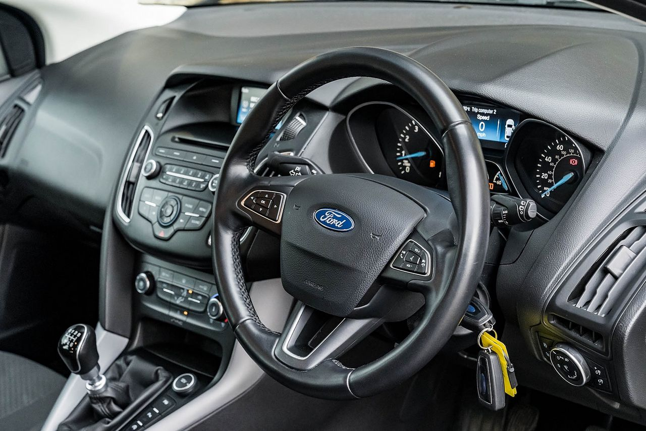 2015 FORD Focus Zetec 1.0T 125PS EcoBoost - Picture 21 of 41