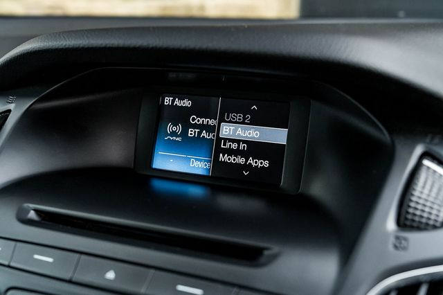 2015 FORD Focus Zetec 1.0T 125PS EcoBoost - Picture 29 of 41