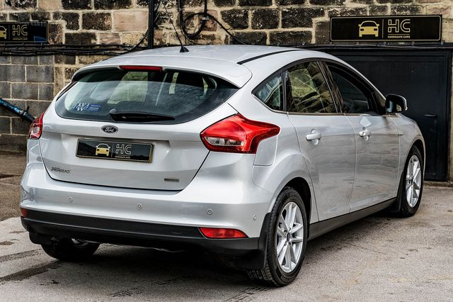 2015 FORD Focus Zetec 1.0T 125PS EcoBoost - Picture 2 of 41