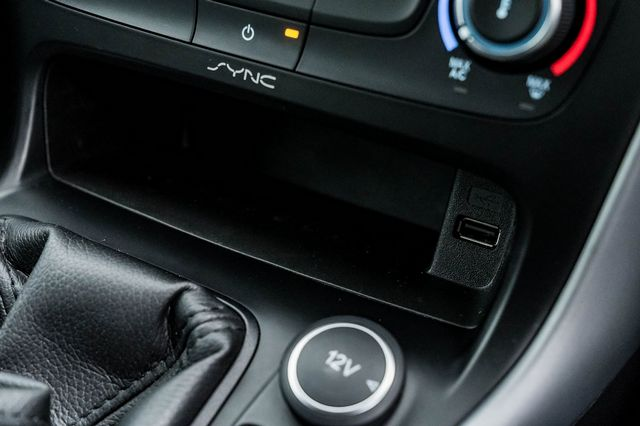 2015 FORD Focus Zetec 1.0T 125PS EcoBoost - Picture 36 of 41