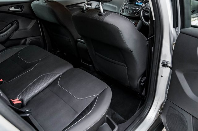 2015 FORD Focus Zetec 1.0T 125PS EcoBoost - Picture 39 of 41