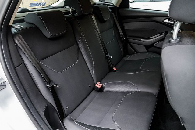 2015 FORD Focus Zetec 1.0T 125PS EcoBoost - Picture 40 of 41