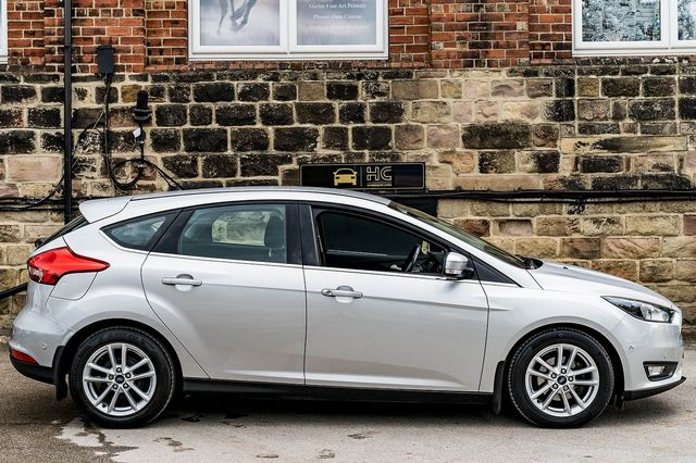 2015 FORD Focus Zetec 1.0T 125PS EcoBoost - Picture 5 of 41