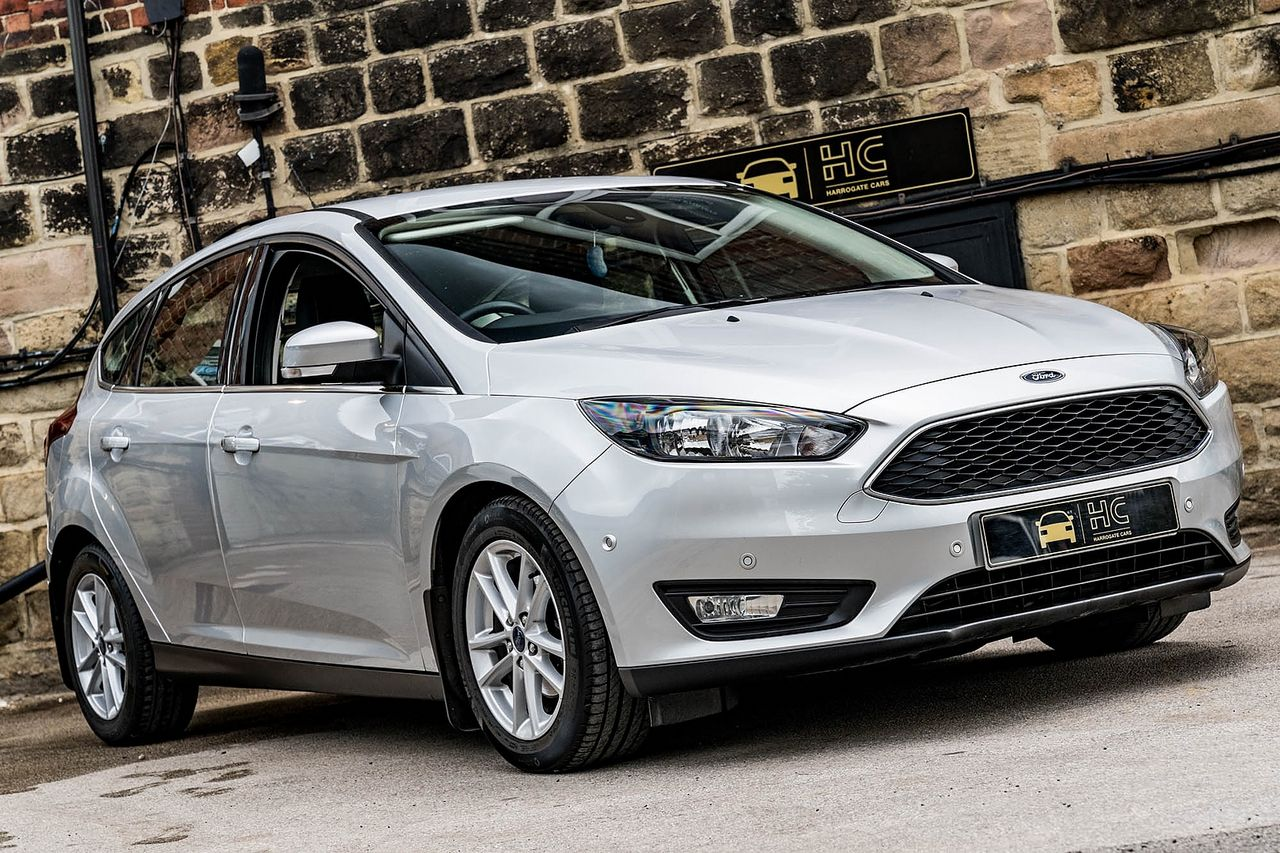 2015 FORD Focus Zetec 1.0T 125PS EcoBoost - Picture 6 of 41