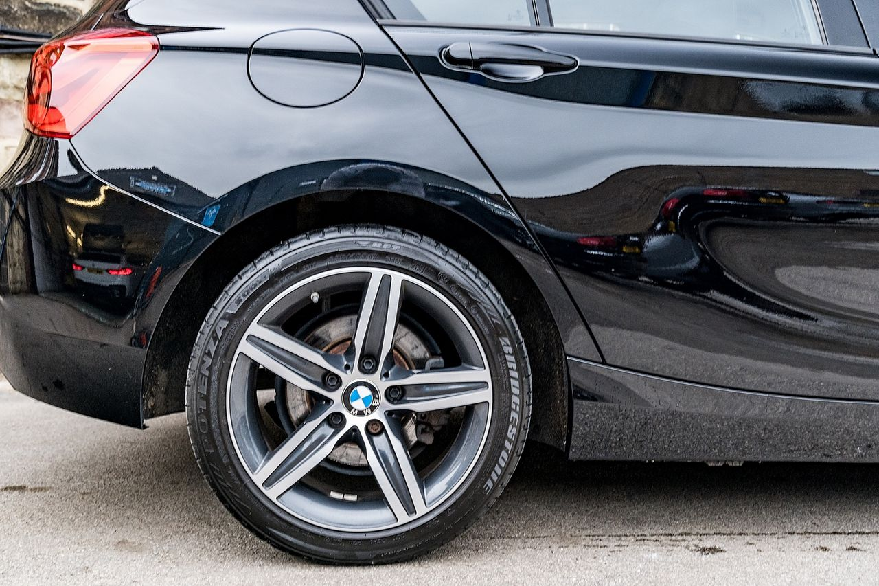 2018 BMW 1 Series 118i Sport - Picture 12 of 41