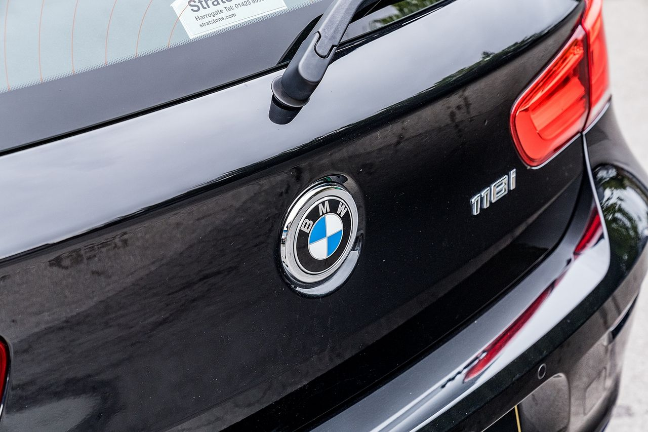 2018 BMW 1 Series 118i Sport - Picture 17 of 41