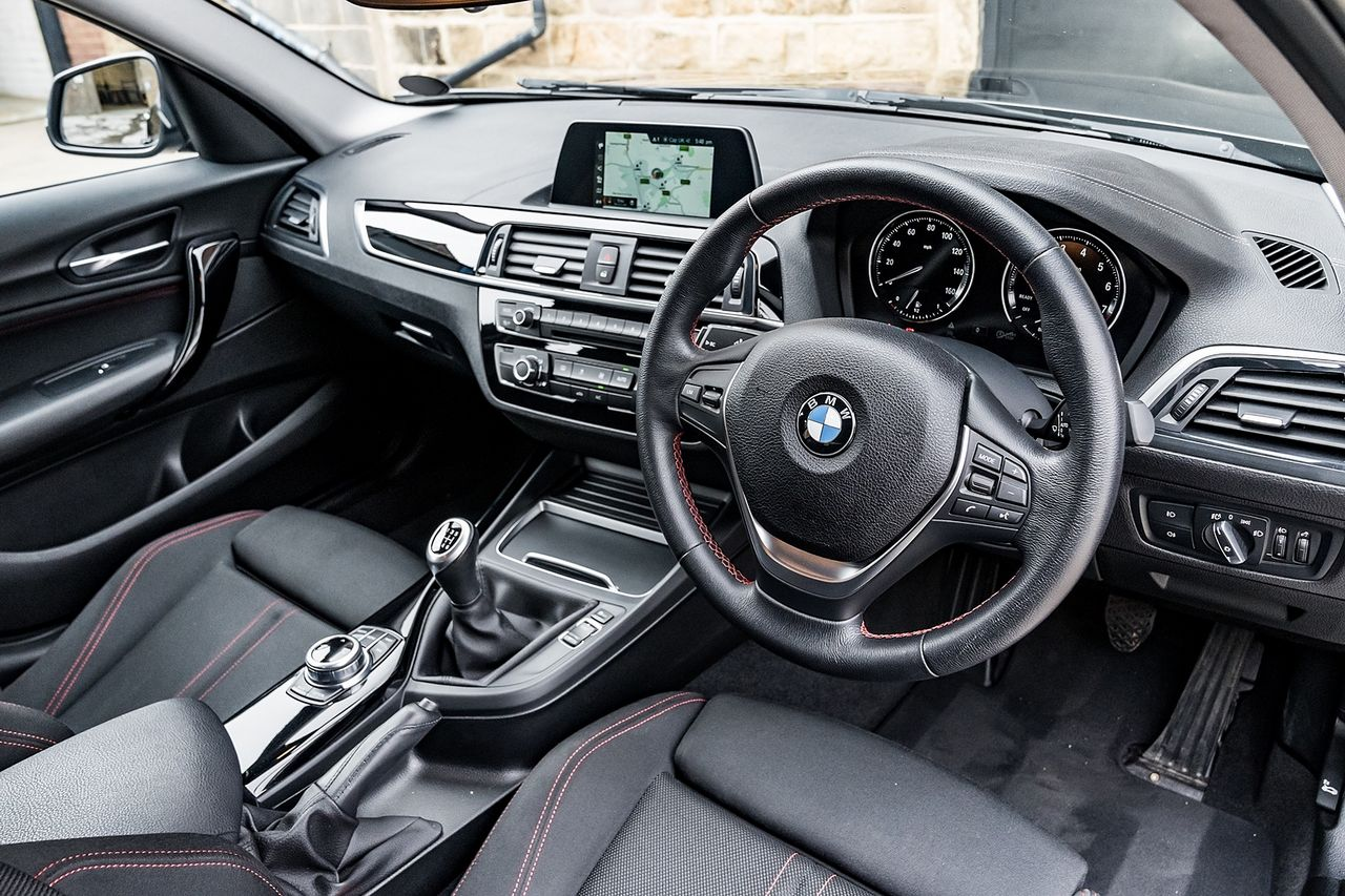 2018 BMW 1 Series 118i Sport - Picture 18 of 41