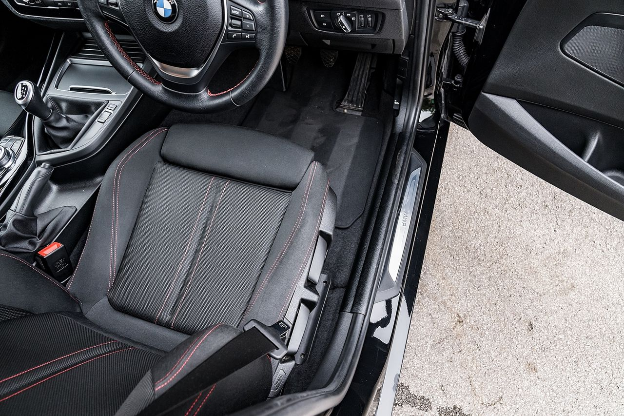 2018 BMW 1 Series 118i Sport - Picture 24 of 41