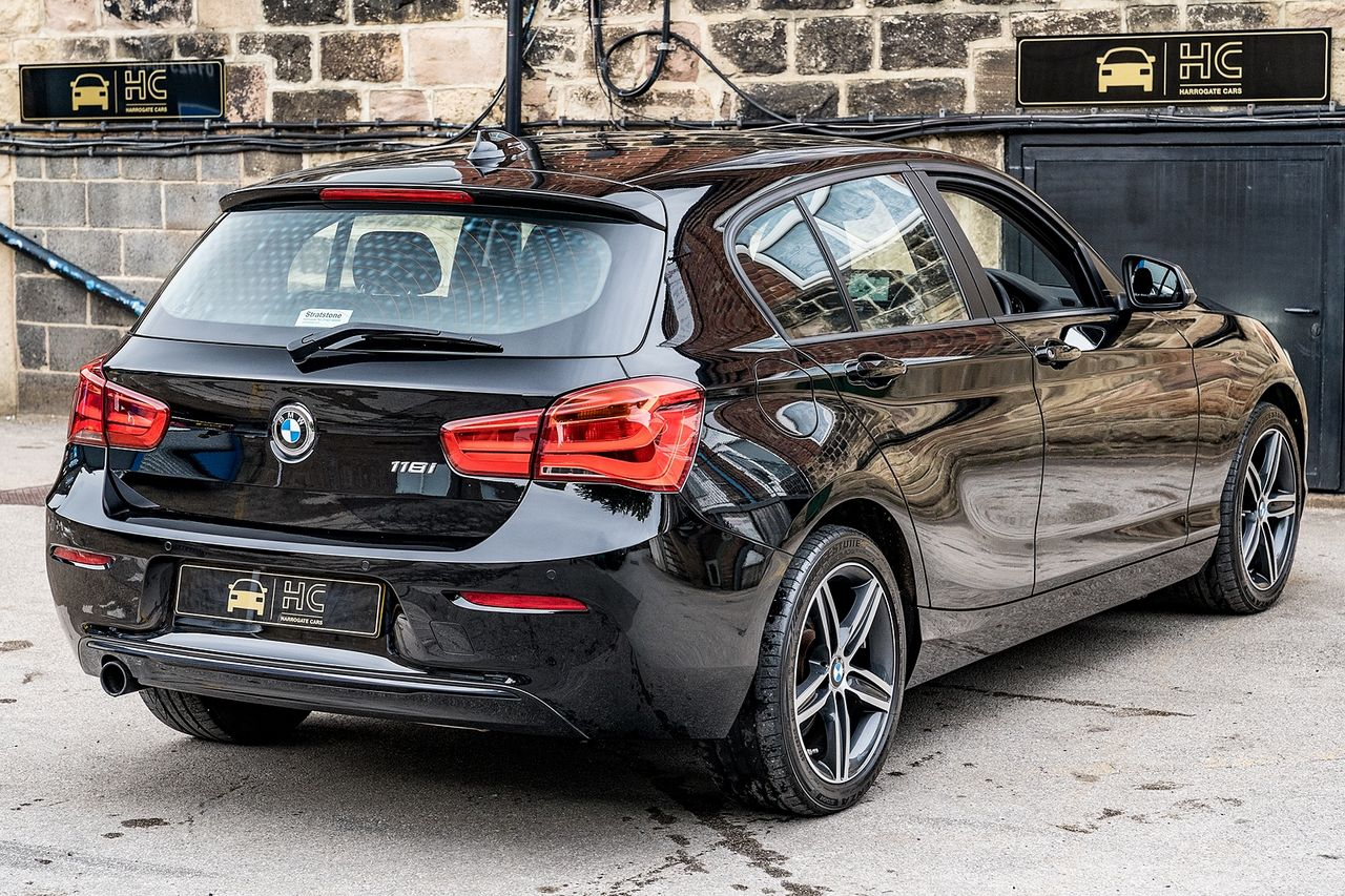 2018 BMW 1 Series 118i Sport - Picture 2 of 41